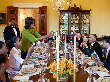Obama_family_dinner