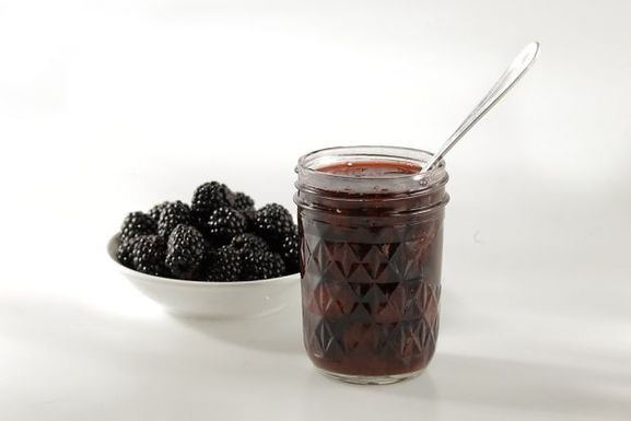 Blackberry-forager