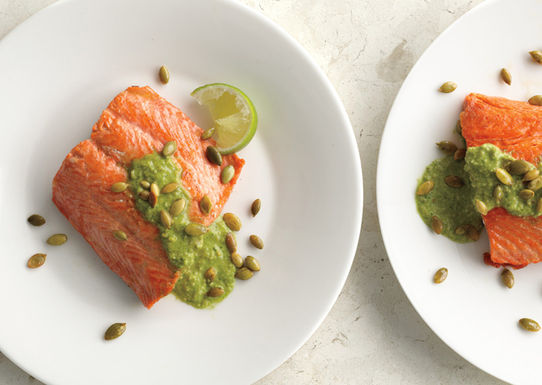 Pan-seared-salmon-with-pumpkin-seed-cilantro-pesto-646