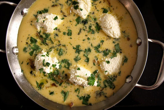 Onion-and-ricotta-frittata