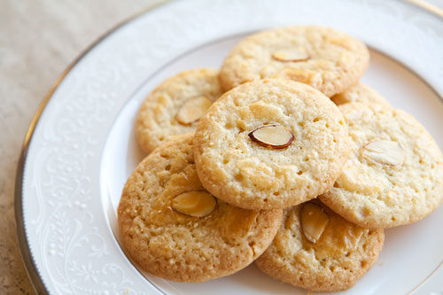 Chinese_almond_cookies