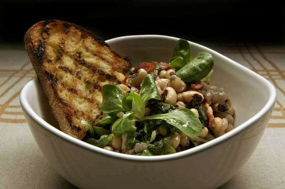 La-dd-black-eyed-pea-recipes-for-the-new-year-2012-001