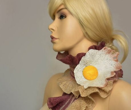 Bacon-scarf-a-fried-egg-brooch