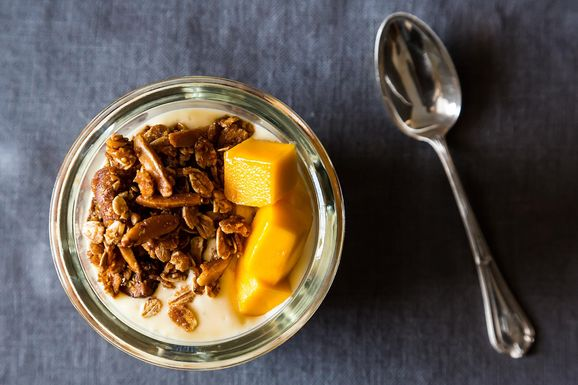 Mango_granola