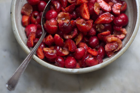 Red_fruit_salad_4