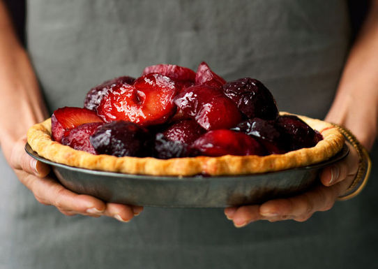 Plum-and-mascarpone-pie-646