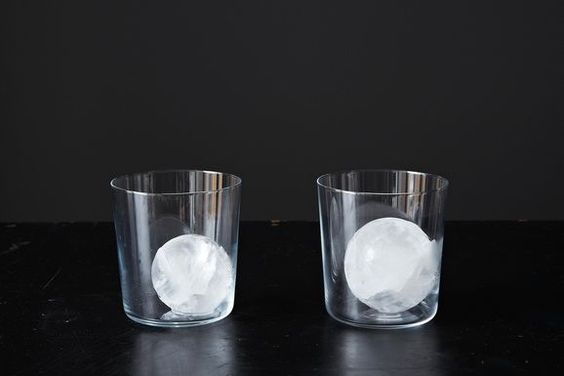 Ice Matters: How to Choose It for Cocktails
