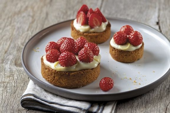 037_duso_strawberrytartlets_art_r1