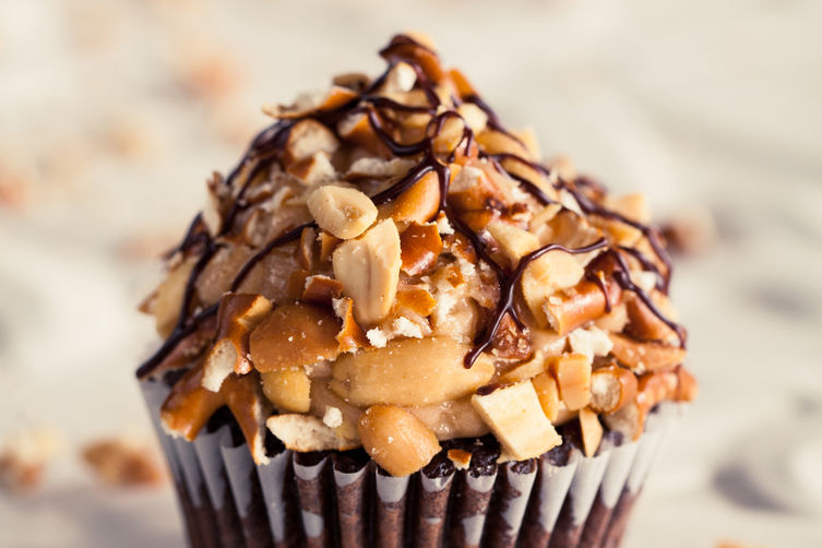 Cupcake_chocpeapretz_small