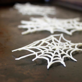 DIY White Chocolate Spiderwebs