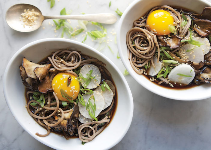Soba-and-maitake-mushrooms-in-soy-broth