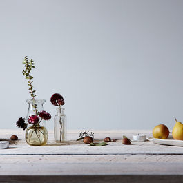 How to Build a Holiday Tablescape