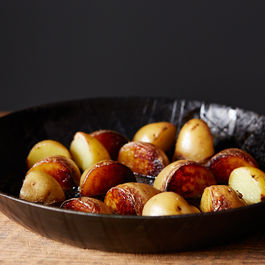 Jenny_best-pan-roasted-potatoes_food52_mark_weinberg_13-12-10_0405