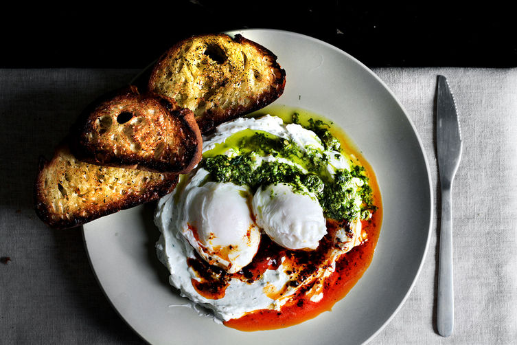 Poached-eggs-on-yogurt16