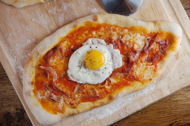Pizza_with_egg