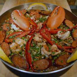 Lobster-paella-pan