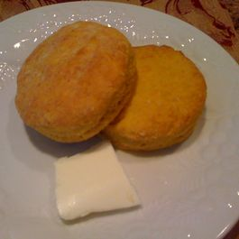 Butternut_buttermilk_biscuits_001