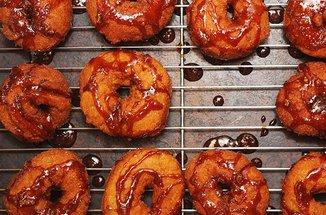 Butternut_cider_doughnuts_72_dpi