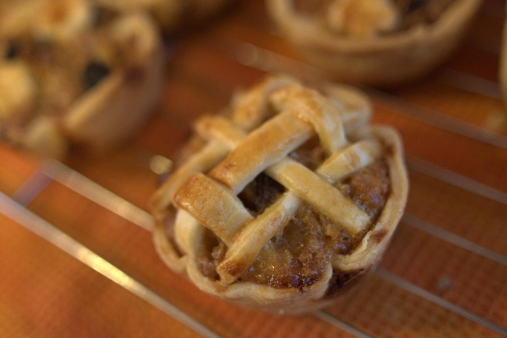 Rum Raisin Mini Apple Pie Bites