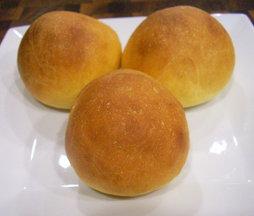 Sweet_potato_buttermilk_dinner_rolls_2_