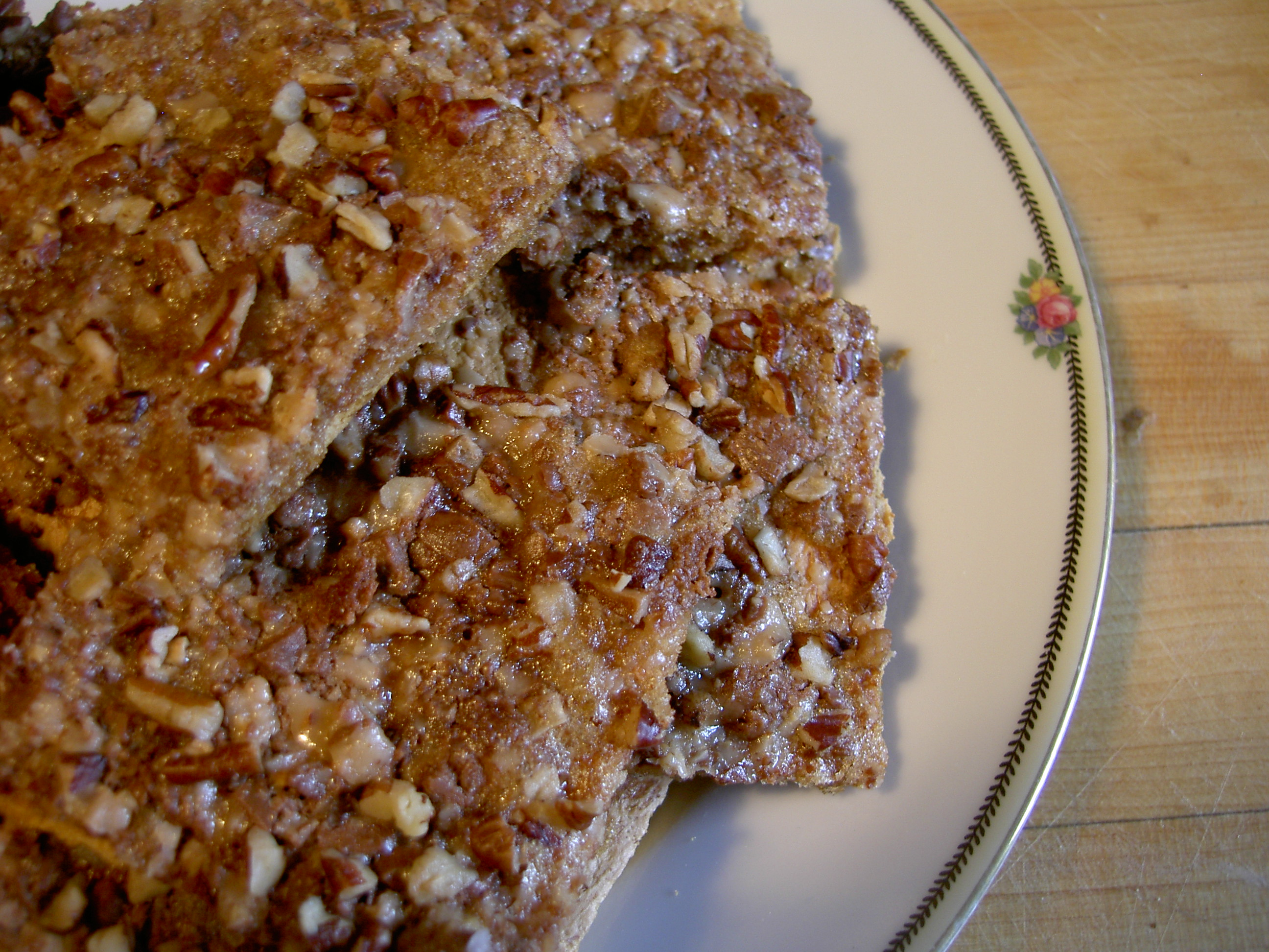 Crunchy graham toffee bars