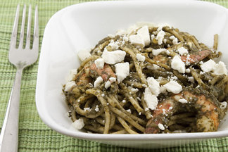 Spinach_sauce_pasta_with_shrimp