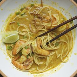 Shrimp_curry_noodles