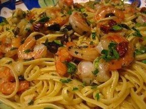Lemon_pepper_linguine_with_shrimp