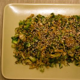 Shaved_brussels_sprouts_with_sesame_seeds