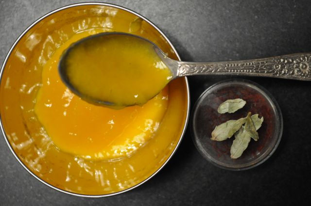 Mango Sauce with Cardamom and Saffron