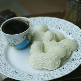 Rice_cookies_with_turkish_coffee