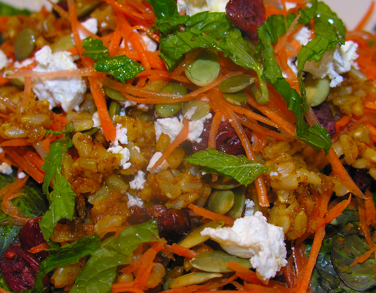 Carrot salad with grains