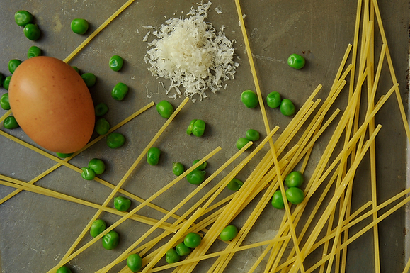 Pasta with Leeks, Peas, Parmesan, and a Fried Egg