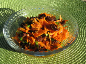 Carrpt_raisin_salad