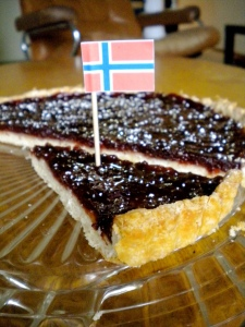 Syttende Mai (May 17) Tart