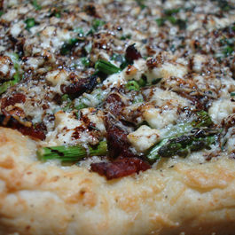 Springtime Asparagus and Ricotta Pizza