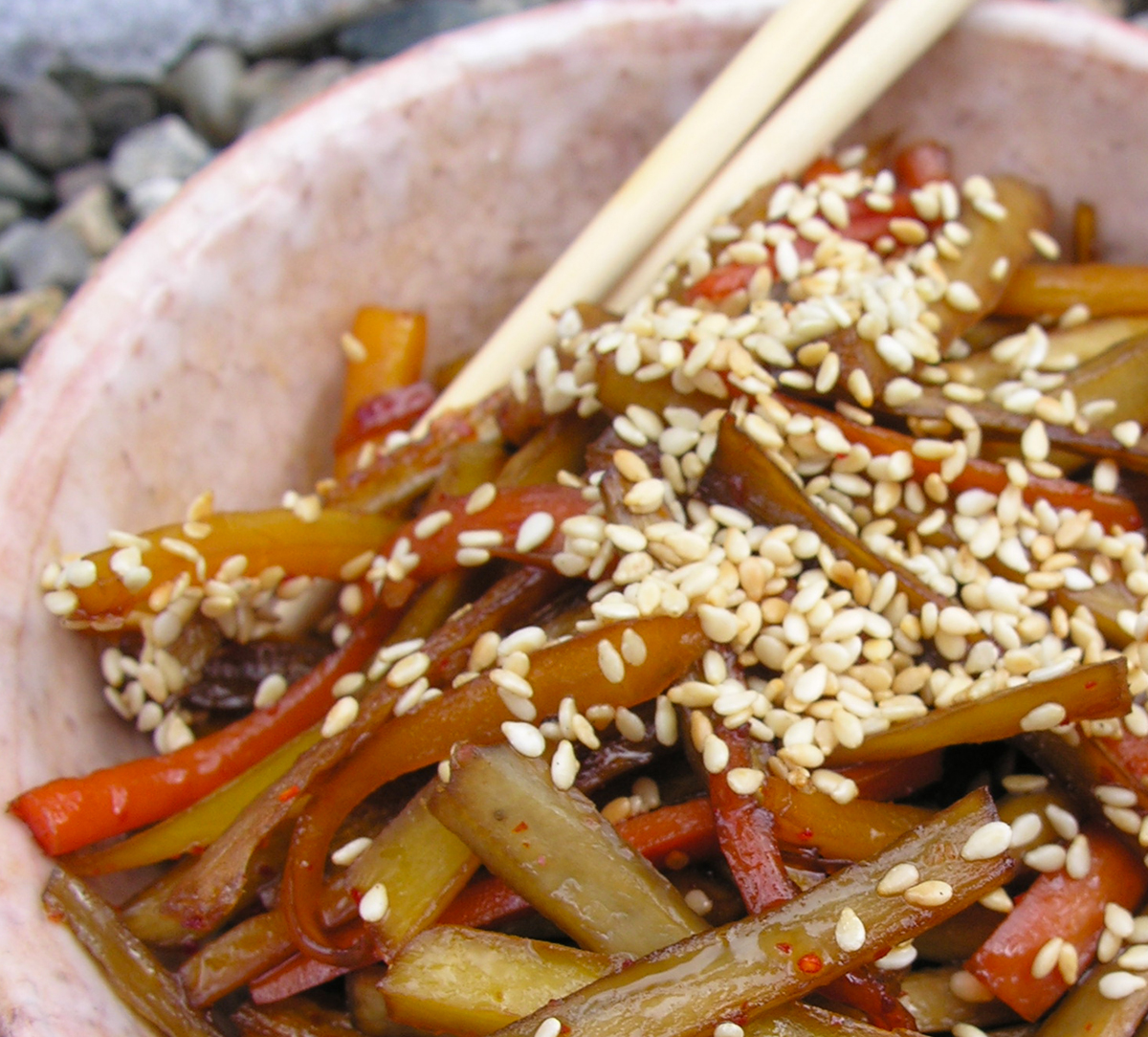 Kimpira (Stir-fried Carrot & Burdock Root)