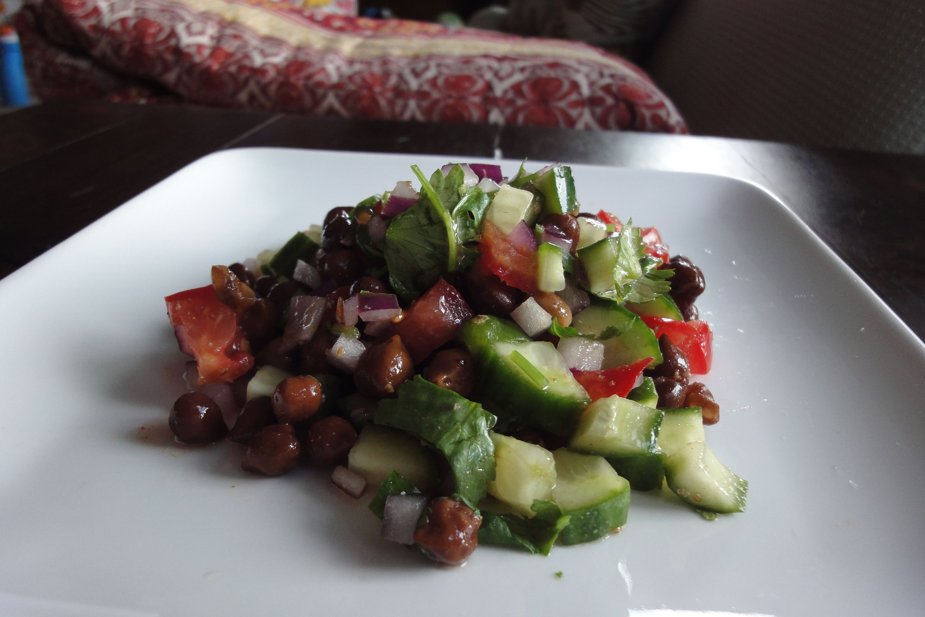 Black chickpea salad