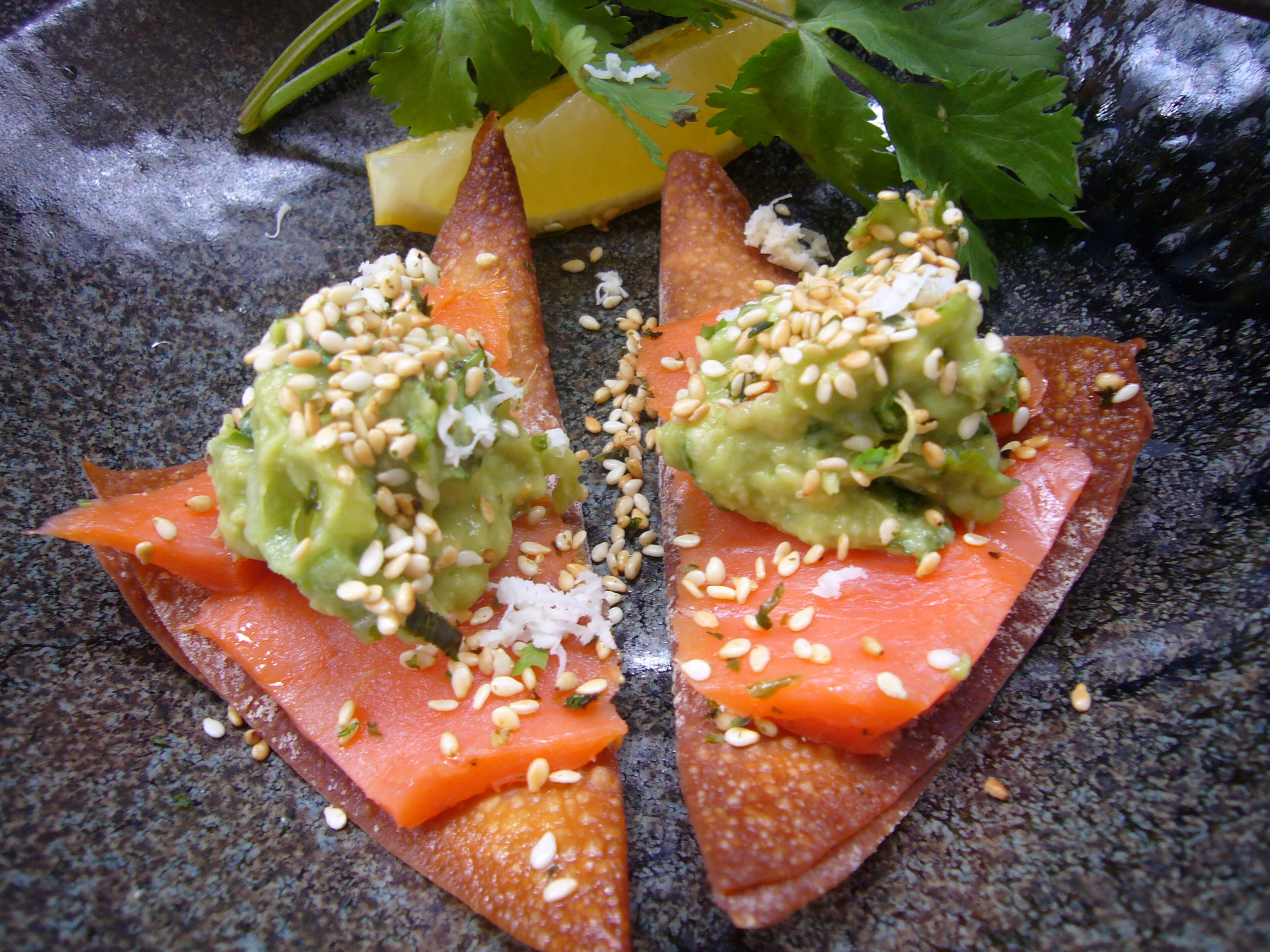 Asian guacamole with Smoked Salmon