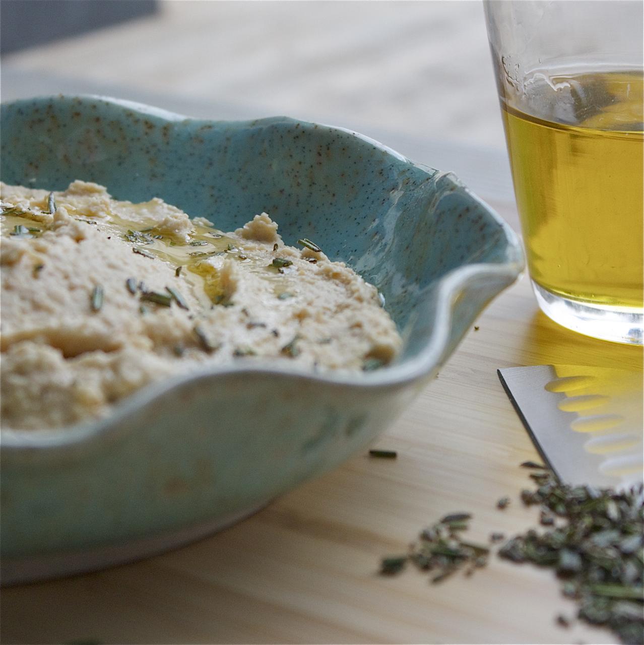 Roasted Horseradish Hummus