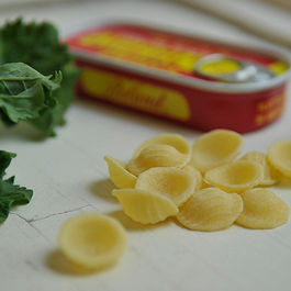 Orecchiette_with_broccoli_rabe