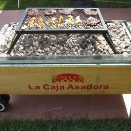 La_caja_china_style_roasting_box