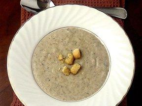 Portobello_mushroom_soup