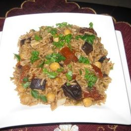 Aromatic Rice With Aubergine and Chickpeas