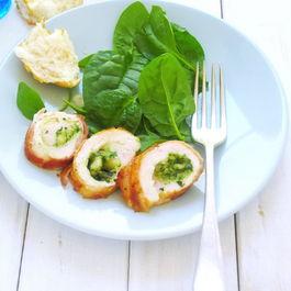 Chicken_pesto_parmesan_cheese_wrapped_in_prosciutto