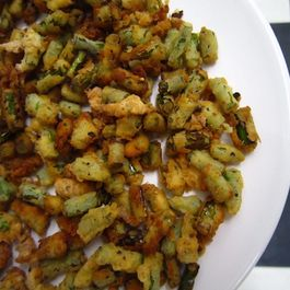 Garlic_scape_croutons