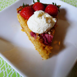 Strawberry-goat-cheese-oat-pie