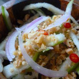Rejuvenating Balinese Green Apple Salad