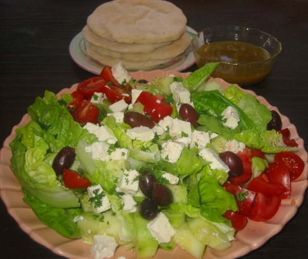 Greek Romaine