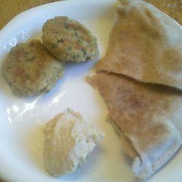 Falafel_plate